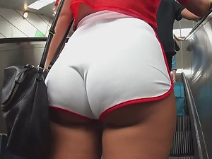 Insane ass wiggle in tight booty shorts