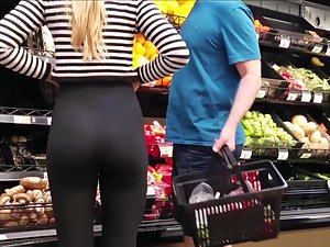 Perfect ass of blond daughter in supermarket