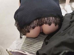 Ass crack in full upskirt view