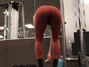 Best spot in the gym is behind her tight ass