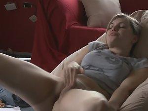 College girl takes a study break Picture 6