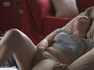 College girl takes a study break Picture 7