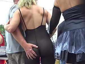 Jealousy when lucky guy grabs party girl's butt
