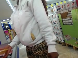 Big black booty in the supermarket Picture 3