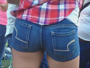 Sexy cowboy girl's tight ass Picture 5