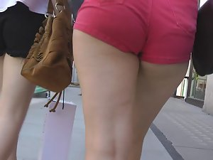 Charging into red shorts and big ass Picture 5
