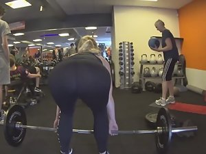 I love girls that deadlift