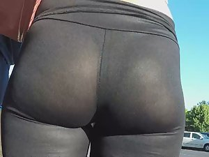 Sheer leggings reveal her thong Picture 5