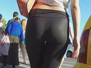 Sheer leggings reveal her thong Picture 7