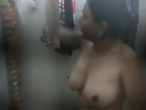 Peeping on tits of an indian woman