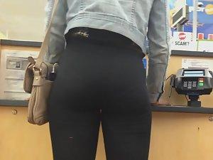 Black girl got a white girl's booty