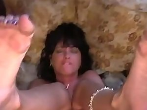 Milf curls toes during anal sex Picture 1