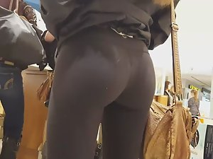 Simply perfect ass in black tights