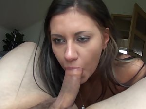 Long sex with busty young hooker in hotel Picture 3