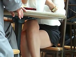 Crossed legs spied during lunch time