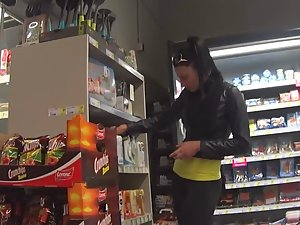 Spying on posh girl inside the supermarket Picture 6