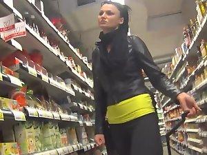 Spying on posh girl inside the supermarket
