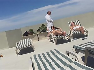 Peeping a naked gold digger on hotel's roof terrace Picture 1