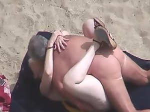 Woman that loves beach sex a lot