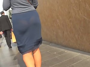 Accidental nudity in milf's transparent skirt