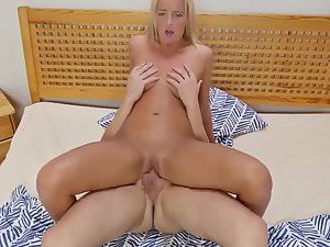 Blonde knows how to ride on hard dick