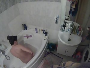Spying on sister enjoying a bubble bath Picture 5