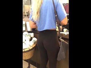 Perfect ass of hottest girl in the shopping mall