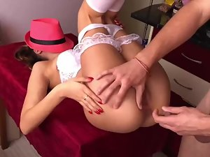 Hiding face with pink fedora during anal sex Picture 1
