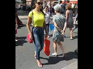 Sexy tall milf knows that she is wanted