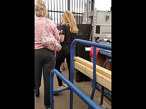 Following a hot blonde in big store Picture 7
